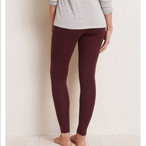 Aerie Chill Leggings in Maroon NWT